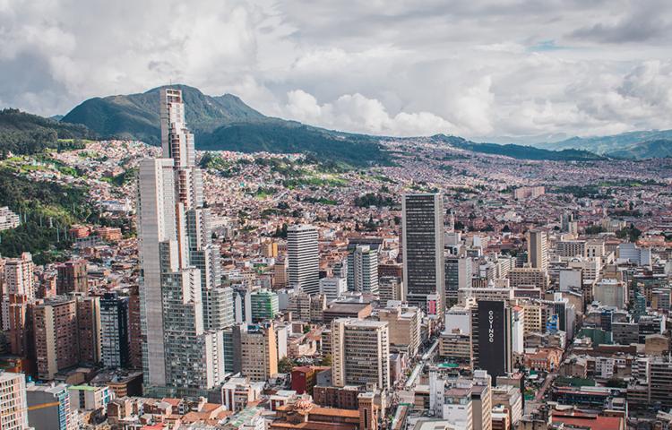 Medidas en Bogotá: colegios se mantendrán en alternancia y vacunación se reactivaría a partir de la próxima semana