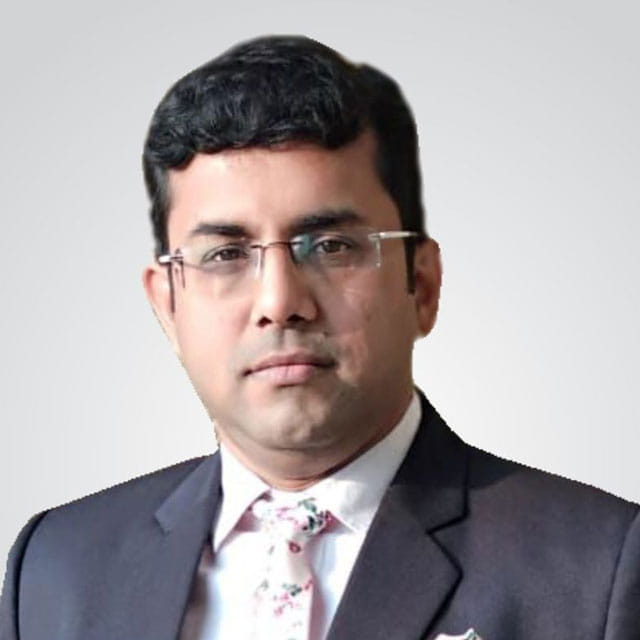 Saurabh Bakliwal Senior Associate Director (image)
