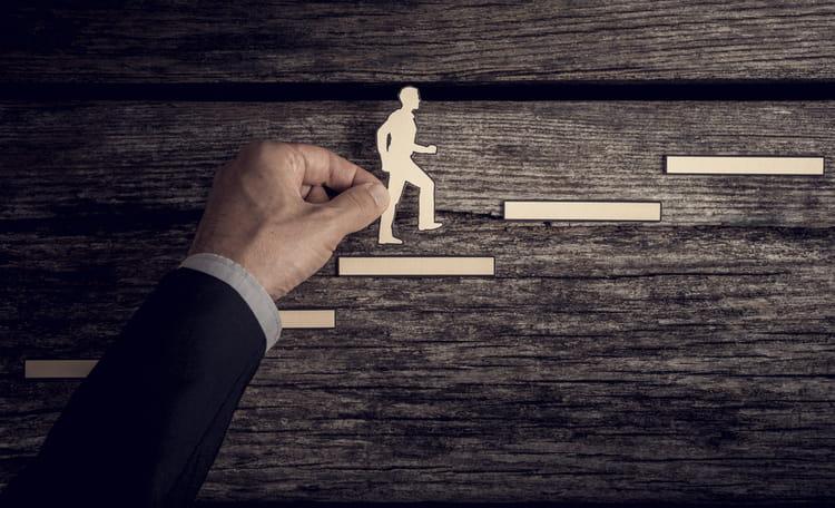 Promotie corporate ladder