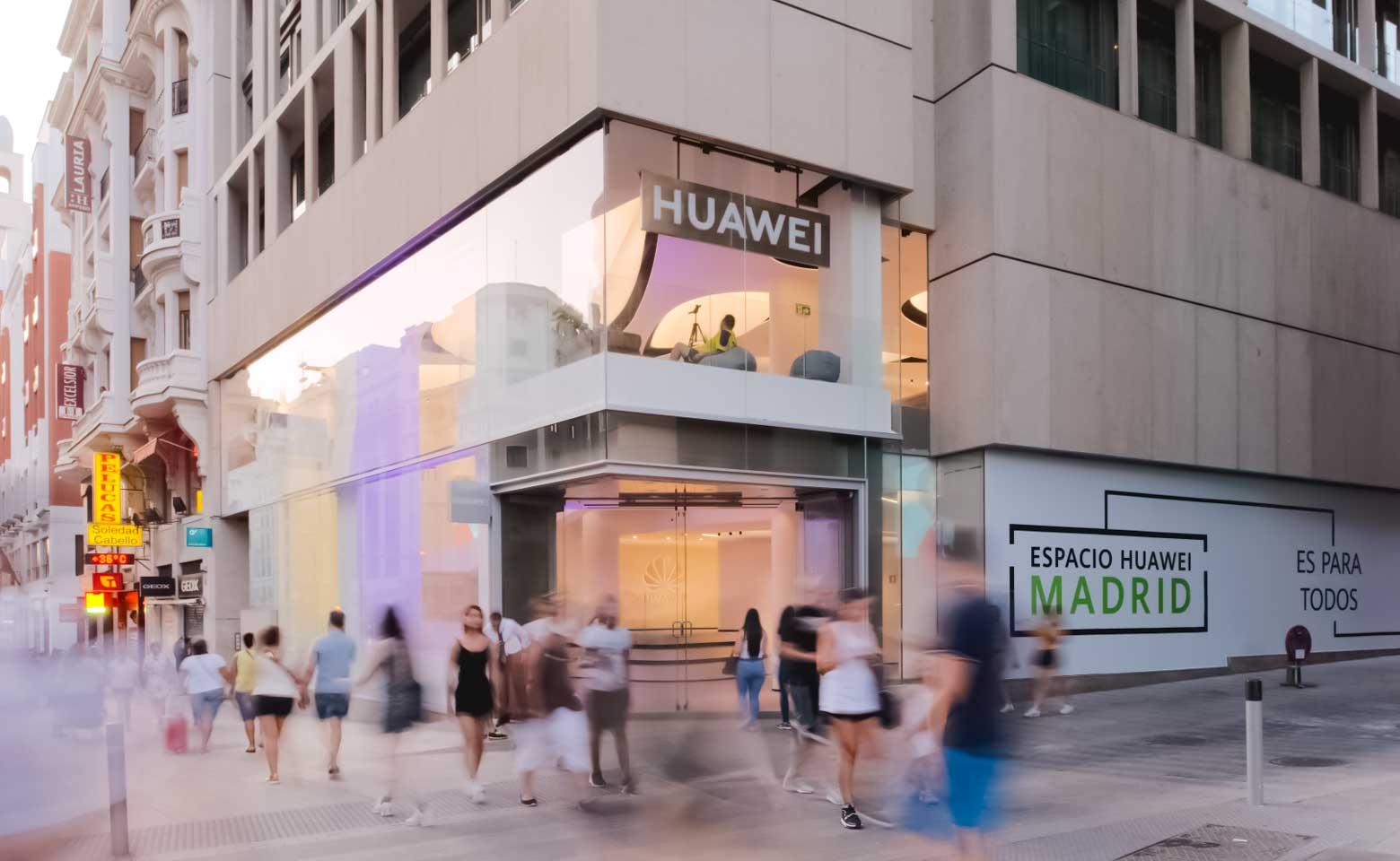 Nuevo-espacio Huawei-Gran-Vía-Madrid-fachada