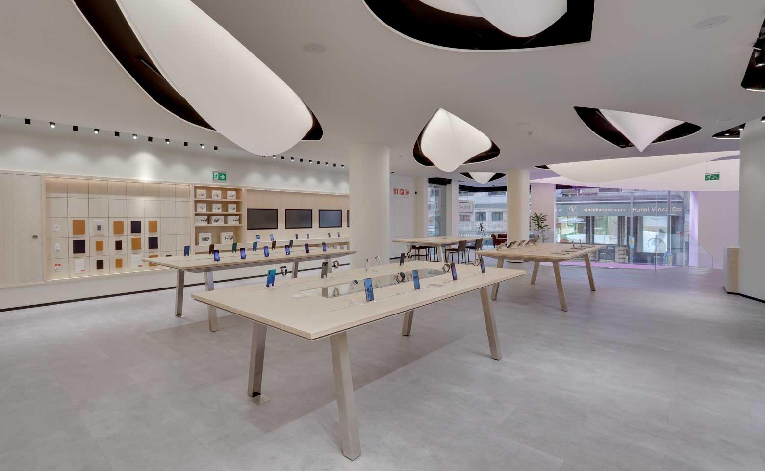 Nuevo-espacio Huawei-Gran-Vía-Madrid-interior
