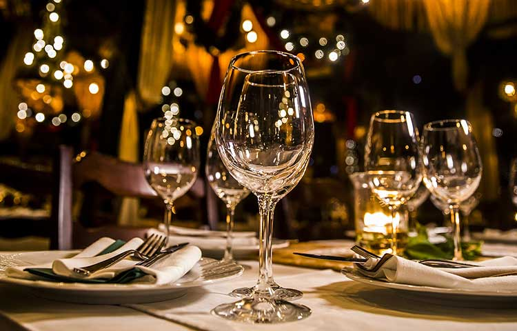 wine glasses (image)