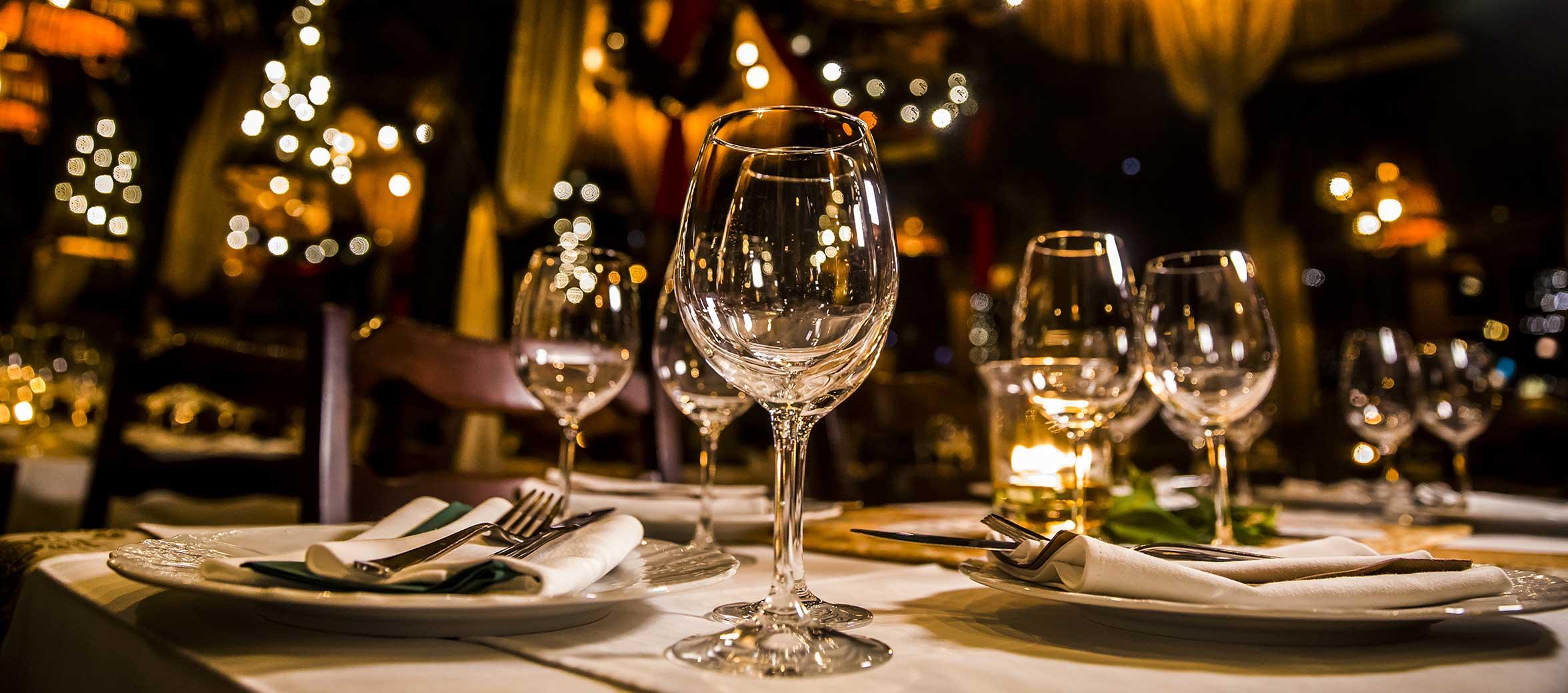 Restaurant glasses (image)
